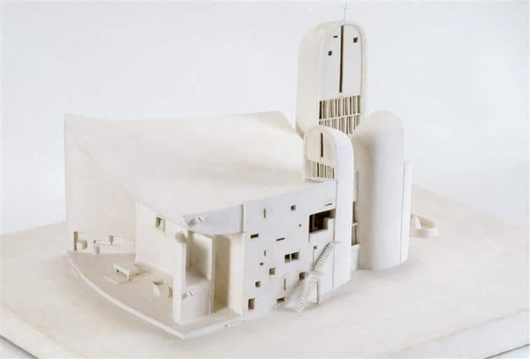 Chapelle Notre-Dame-du-Haut, Ronchamp, Le Corbusier. Photo © Centre Pompidou, MNAM-CCI, Dist. RMN-Grand Palais / Jacques Faujour. © F.L.C. / ADAGP